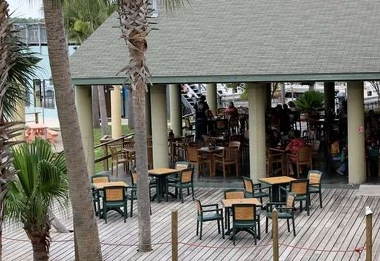 Casual Waterfront Dining Crystal River